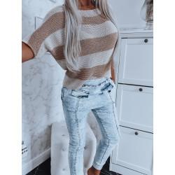 Béžovozlatý svetřík