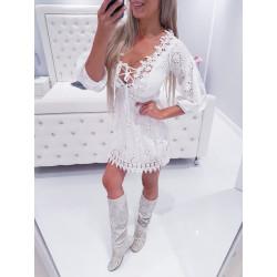 Bílé madeirové šaty