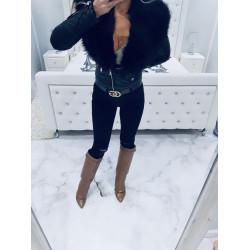 Černá zateplená bundička s černou kožešinou
