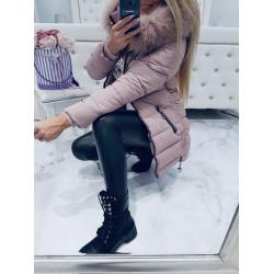 Pudrový kabátek s bohatou kožešinou