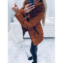 Hnědý prošívaný kabátek s bohatou kožešinou