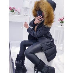 Černý kabátek s bohatou kožešinou