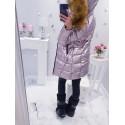Lila kovový kabátek s bohatou kožešinou