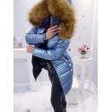 Světle modrý kovový kabátek s krásnou kožešinou