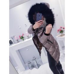 Zlatavý kabátek s černou kožešinou