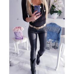 Černé koženkové kalhoty se zipy