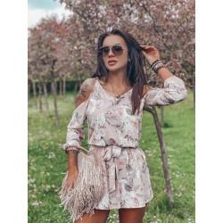 Pudrové šaty s květy